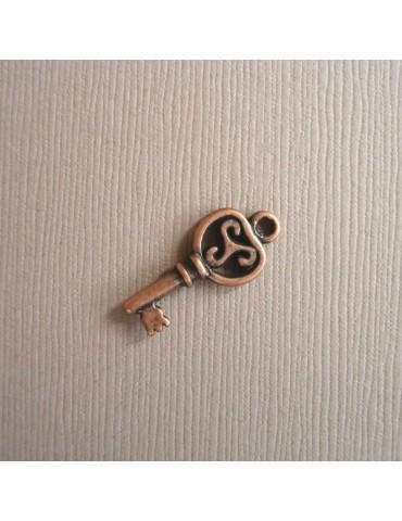 Petite clé en cuivre