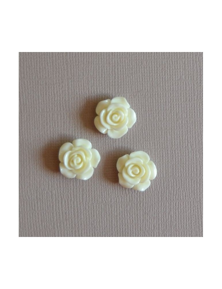 3 Petites roses blanche