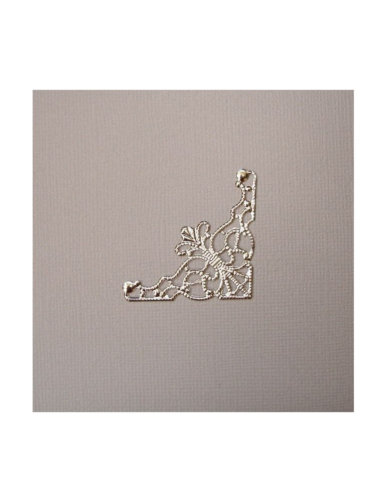 Angle filigrane métal argent