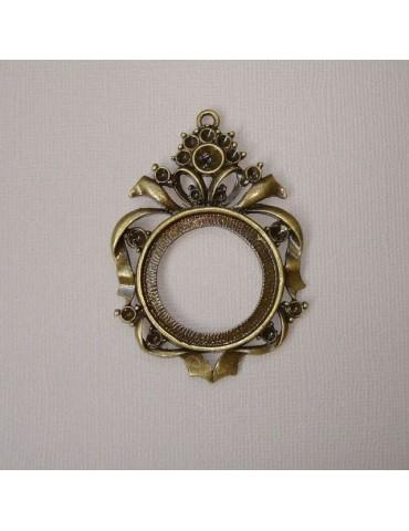 Support en métal doré veilli